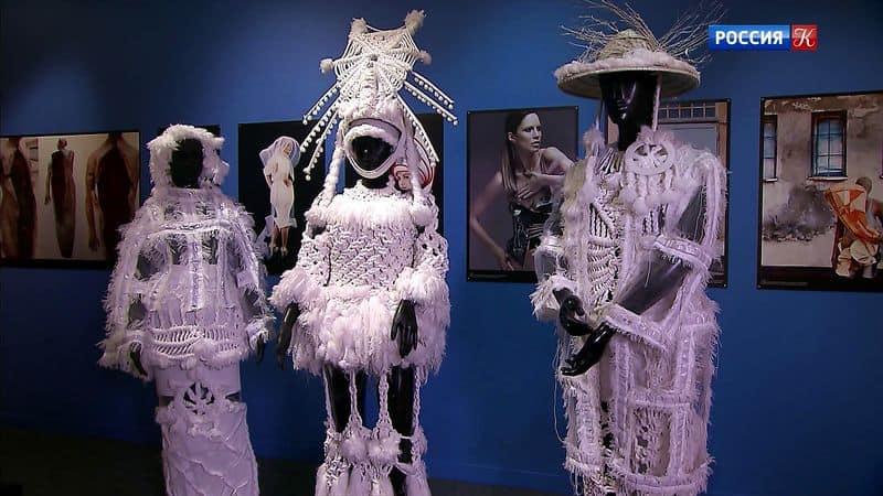Инновационный костюм 21 века: новое поколение выставки в июле Лучшие выставки июля 2019: что нельзя проглядеть? image8