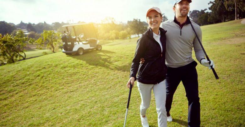 Photo of Как научиться играть в гольф? гольф Как научиться играть в гольф? AdultCouple 780x405