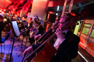 Всемирный день оперы отметили в московском метро Всемирный день оперы отметили в московском метро 191025 IDN 9432 300x200