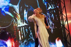 В московском метро состоялся предпремьерный показ фрагментов балета «Дракула» В московском метро состоялся предпремьерный показ фрагментов балета «Дракула» 191031 IDN 3370 300x198