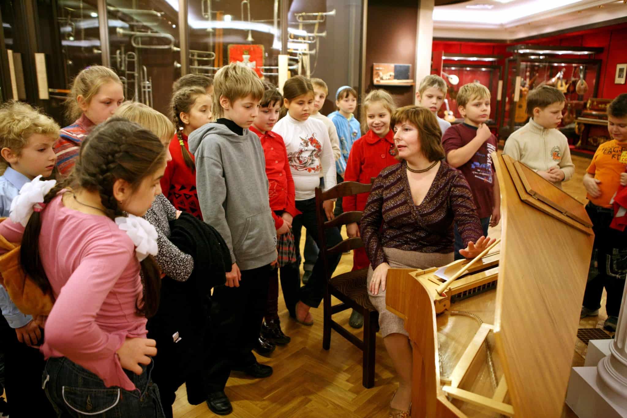 Фото дети в музеях